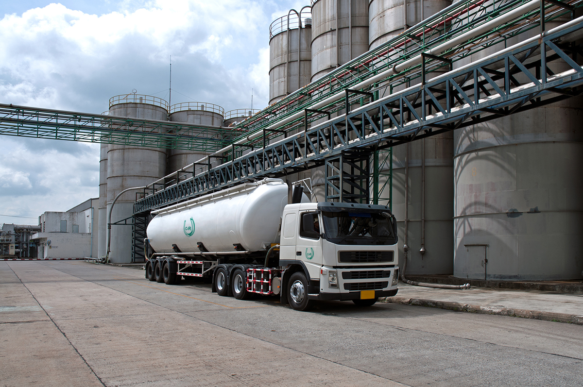 tanker-truck-delivery-danger-chemical-in-1200×800